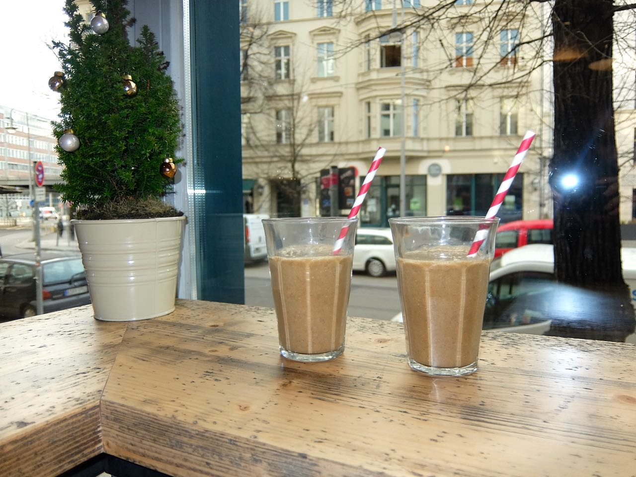 Breakfast Smoothie at Café 93