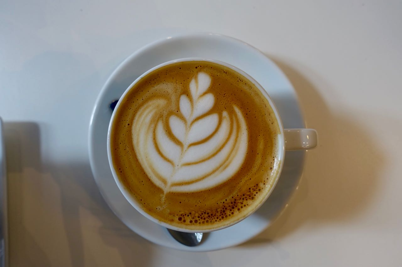 Flat White, La Pelle Café, Bordeaux Specialty Coffee Guide