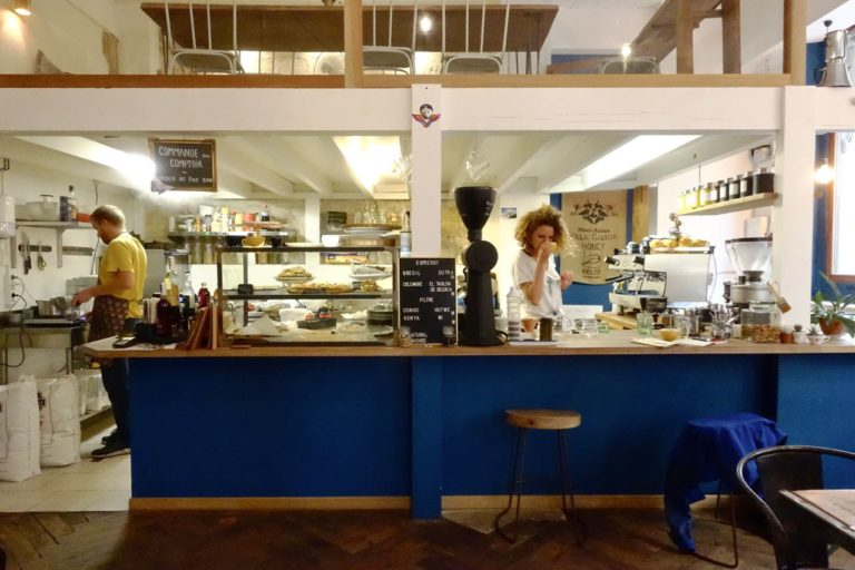 Julie at SIP coffee bar, Specialty Coffee Guide Bordeaux