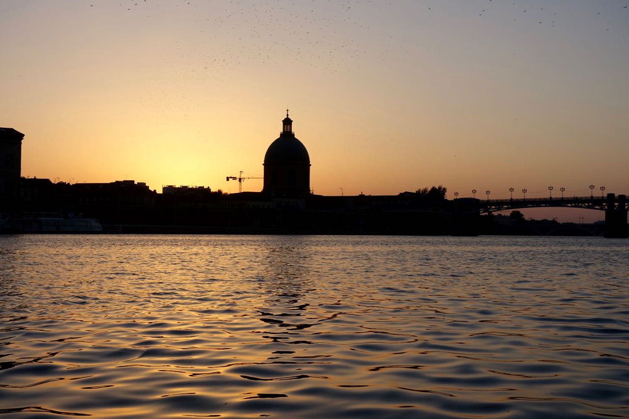 Garonne river sunset, Visiting Toulouse