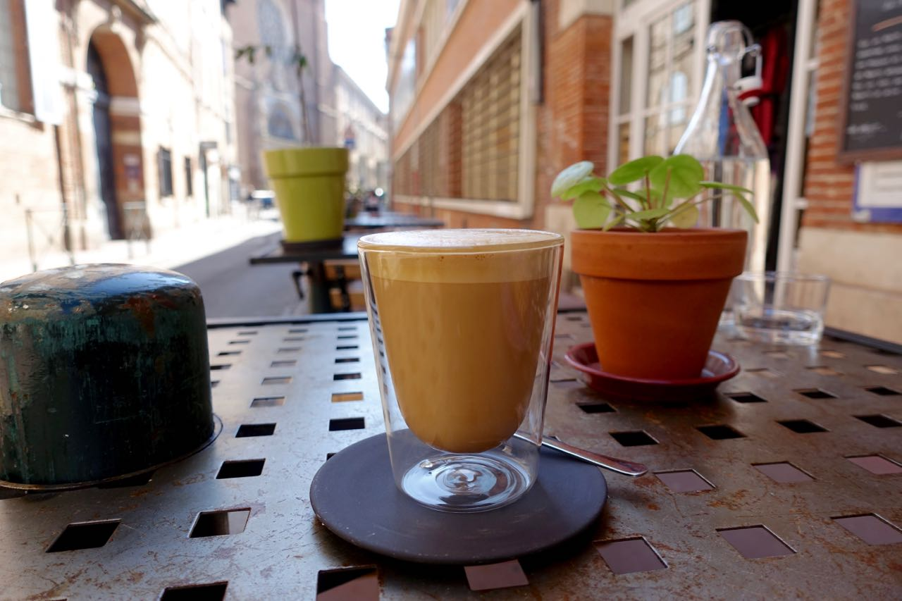 flat white at L'Anartiste, Toulouse